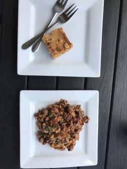 Salzkaramell- und Erdnussschnitte, Nuss-Fruchtmix