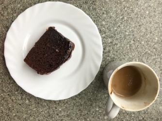 Schokokuchen und Kaffee